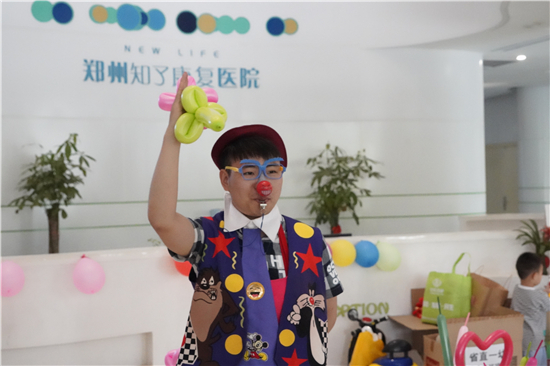 """娃娃狼第四届""""城市杯""""幼儿足球超级联赛在郑州举行"""